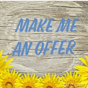 Other - 🌻🌻MAKE ME AN OFFER🌻🌻